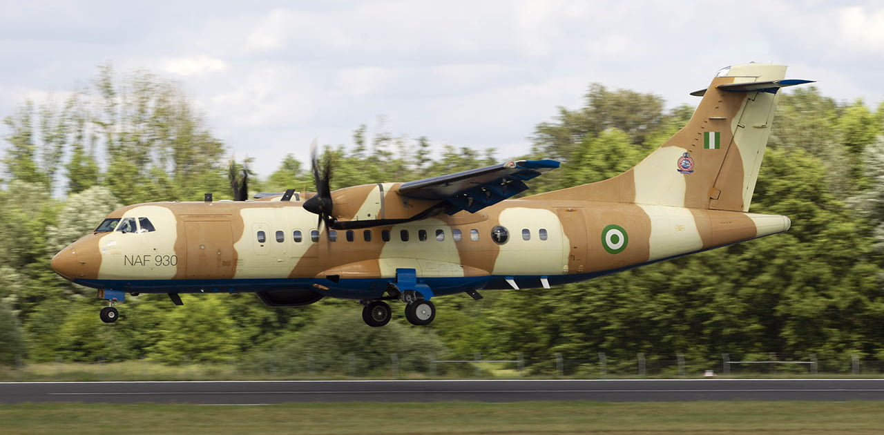 ATR72 landing.