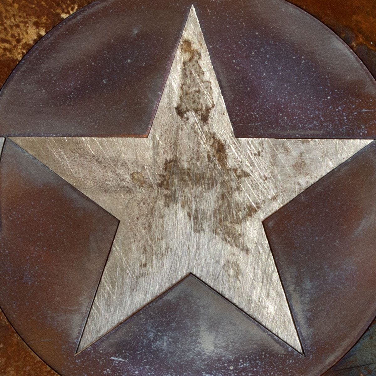 Close-up of a United States Air Force steel roundel artwork.