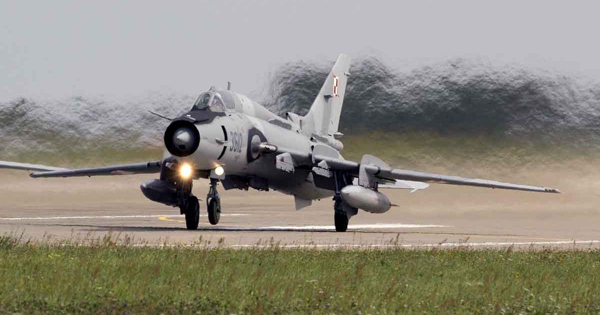 Polish Air Force Su-22M4 taking off.